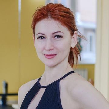 Наталья Белая - тренер студии пилатеса Александры Кибзий