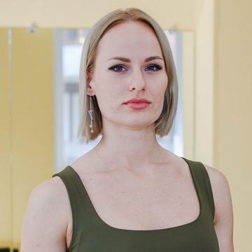 Стася Жижко - тренер студии пилатеса Александры Кибзий