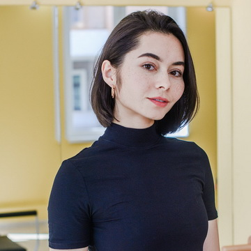 Рамина Ямалтединова - тренер студии пилатеса Александры Кибзий