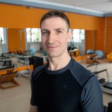 >Юрий Кубышкин - тренер студии Пилатес Плюс на Фрунзенской