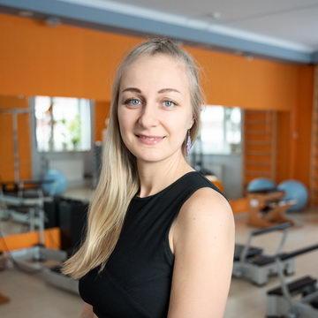 Ксения Назарова - тренер студии пилатеса Александры Кибзий
